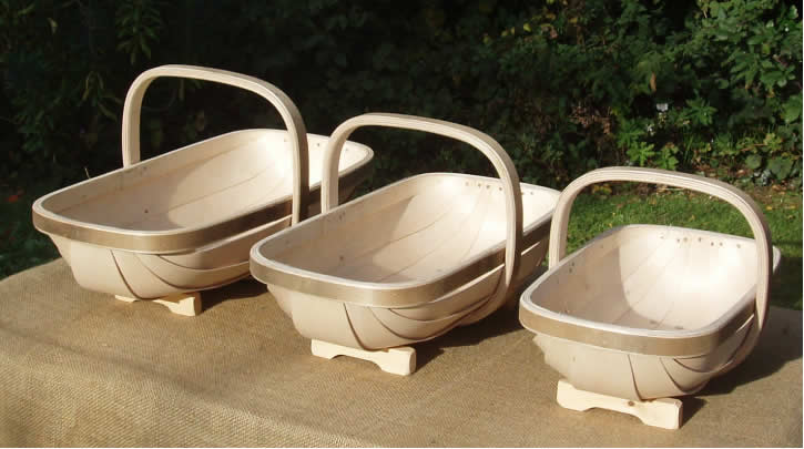 Traditional trug basket